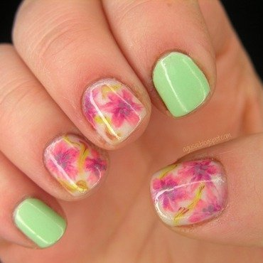 Floral nail art by Agni
