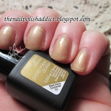 SensatioNail Little Gold Dress Swatch by Leah