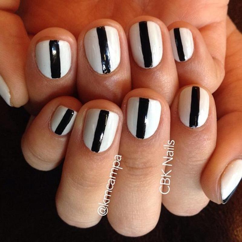 Minimalist Nail Art nail art by Kasey Campa