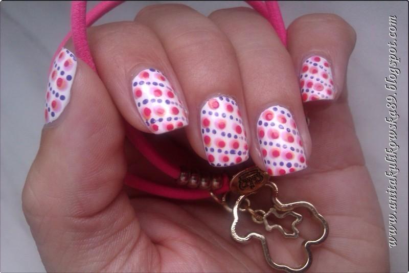 Polka dots  nail art by Anita