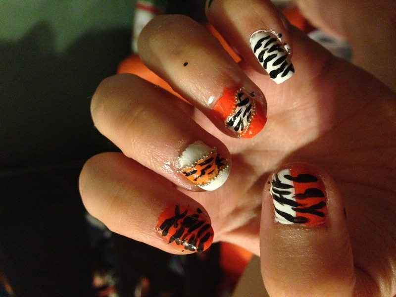 Tiger Love nail art by Snowwhitequ33n