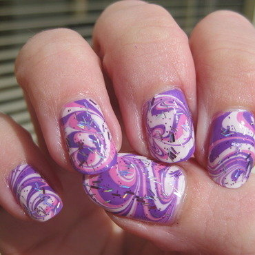 Water marble 'n glitters nail art by Vicky