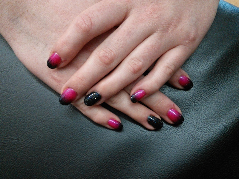 black and pink gel fade nail art by Rachel Millican