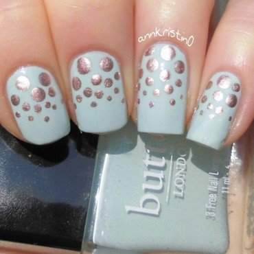 Rose Gold Dotticure nail art by Ann-Kristin