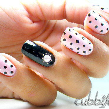 Mina's Simple Manis: Pearly Polka Dots  nail art by Cubbiful