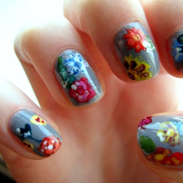 Fiori nail art by Madie