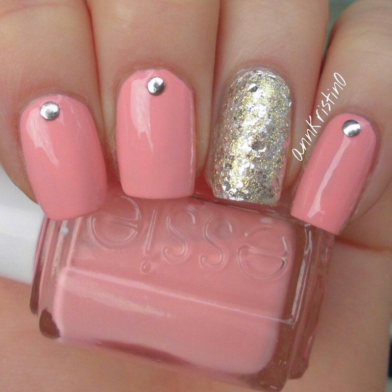 Essie Van d\'go and Accent Nail nail art by Ann-Kristin - Nailpolis ...