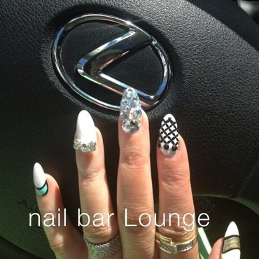 Orbit Ring Bling nail art by Victoria Zegarelli nail bar Lounge