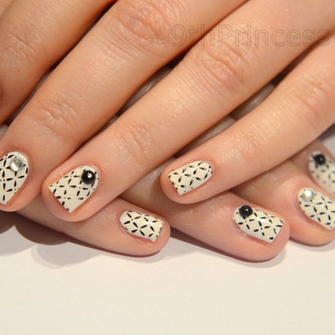 Black&White nail art by 9th Princess