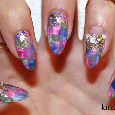 Washed Out Nails nail art by Kira Kira