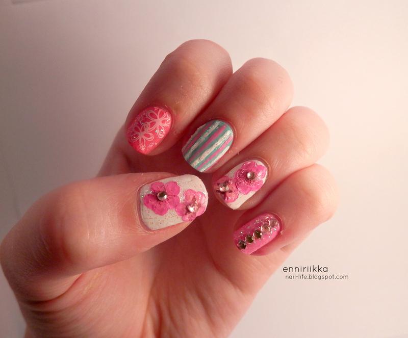 spring flowers nail art by Enni