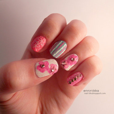 spring flowers nail art by Enni