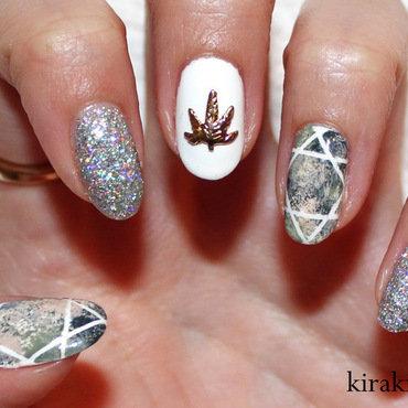 Geometric & Glitter nail art by Kira Kira