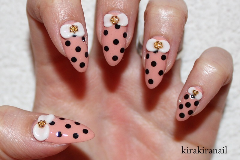 Polka Dots & Bows nail art by Kira Kira