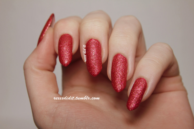 OPI Magazine Cover Mouse Swatch by Robin