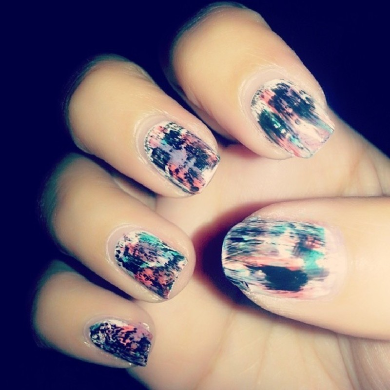 Distressed Nails nail art by Evy Rodrigues