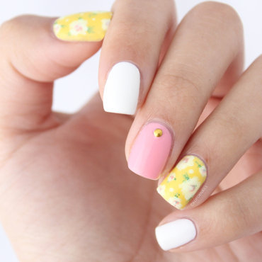 Freehand Spring Floral nail art by Jasmine (Californails)
