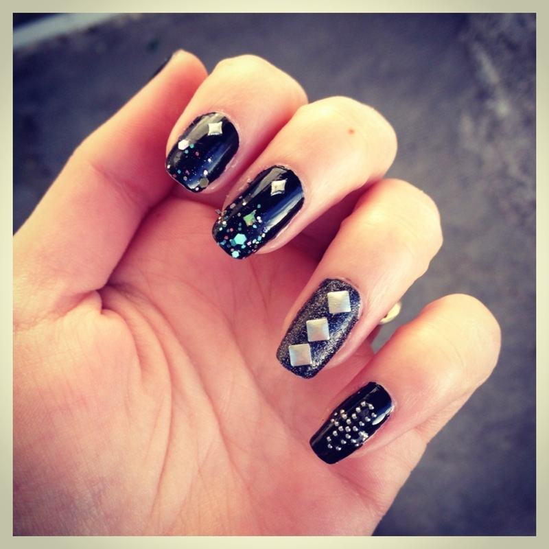 Rock'n Roll Baby ! nail art by Dju Nails