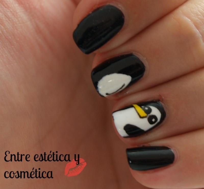 Gunter - Adventure Time nail art by MartaRuso