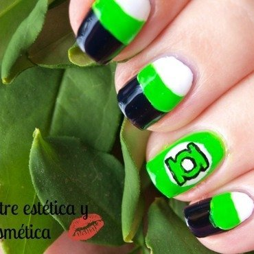 Green Lantern Nails  nail art by MartaRuso