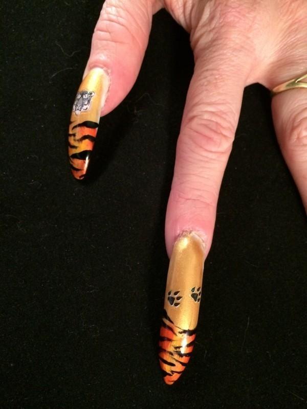 Tigers walking nail art by Tygerr Recchia