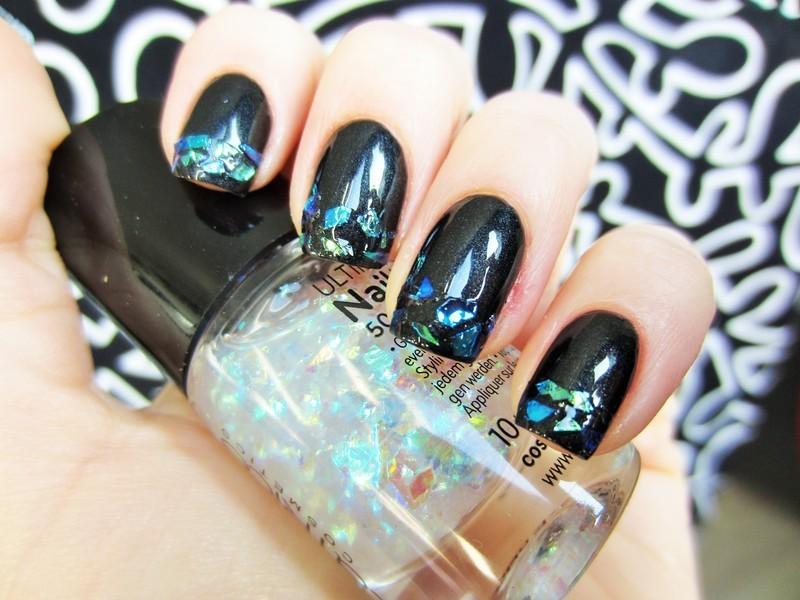 Flakes nail art by Jane