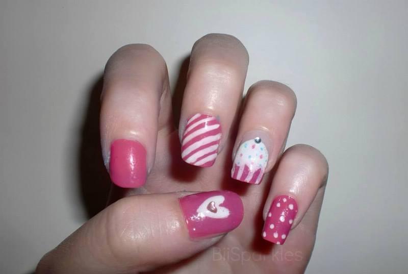 Cute Cupcakes nail art by Bianca