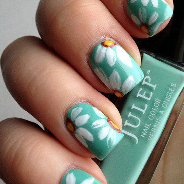 Stop and Smell the Daisies nail art by Katie