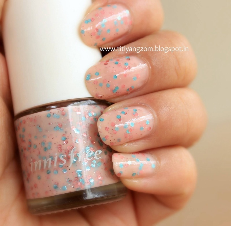 Polka Dot nails nail art by Titi Yangzom