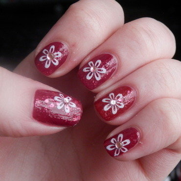 red flowers nail art by Enni