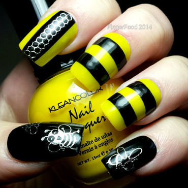 Don't worry, bee happy! nail art by Sam