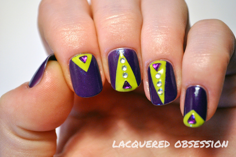Alien nail art by Lacquered Obsession