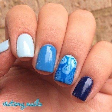 #bluenailsforAUTISM ombré w. lightbulbs  nail art by Nicole