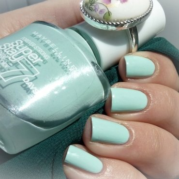 Maybelline #615 Mint For Life Swatch by Romana