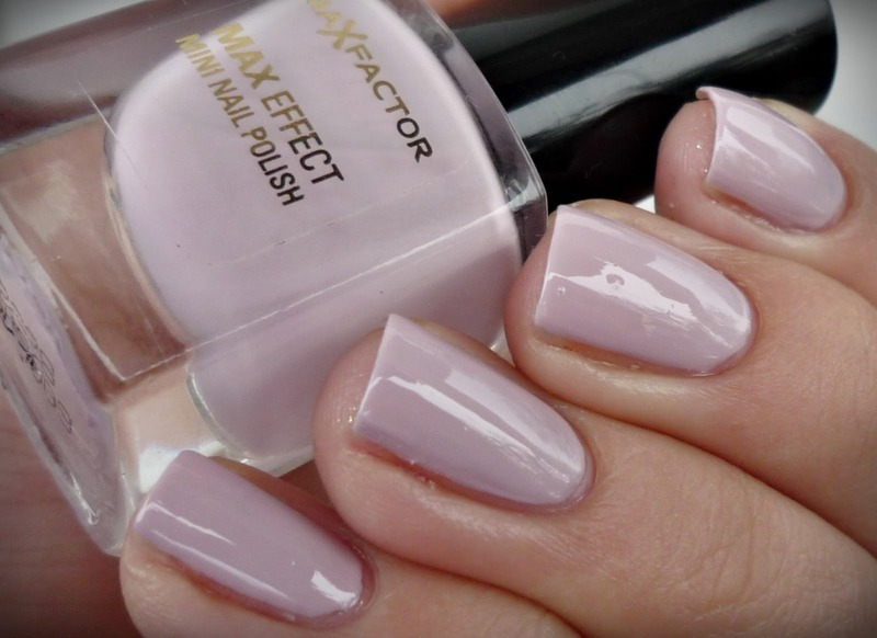 Max Factor #30 Chilled Lilac Swatch by Romana