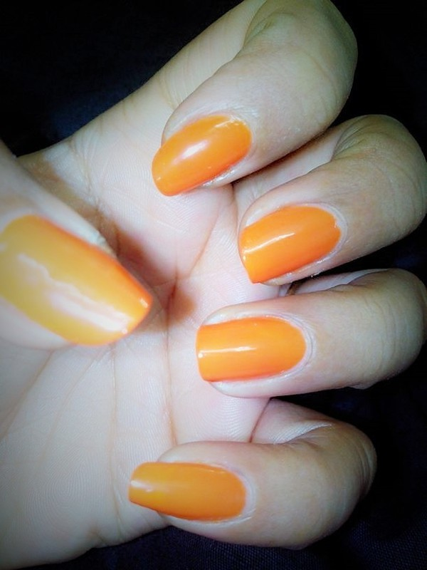 Orange Nails nail art by Nailfame