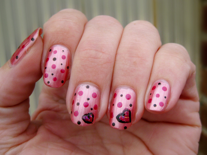 Hearts 'n dots nail art by Vicky