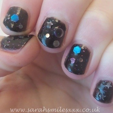 Taras Talons Out Of This World Swatch by Sarah Clarke