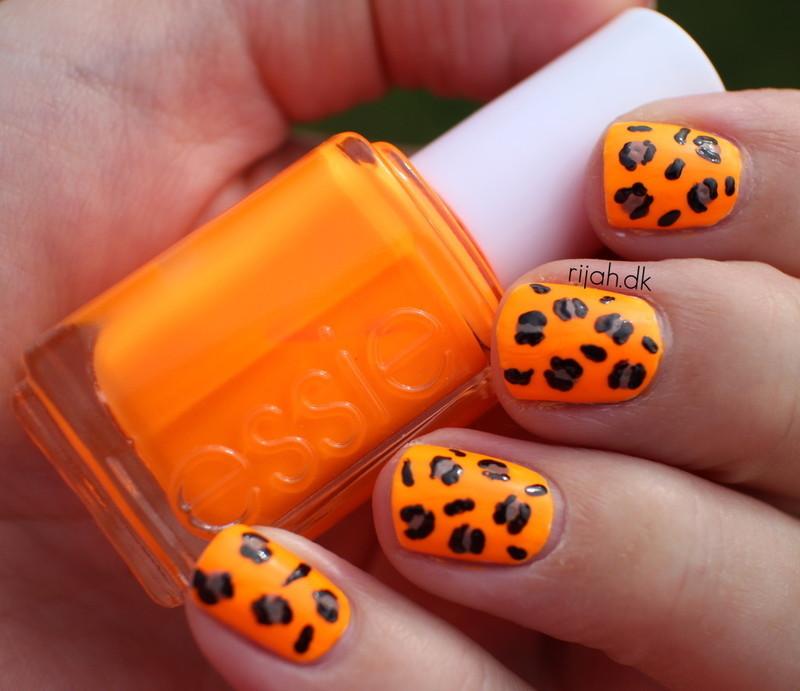 Leo nails nail art by Maria Marker