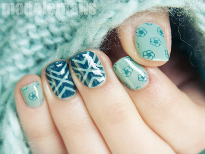 Tape mani nail art by Madeleinails