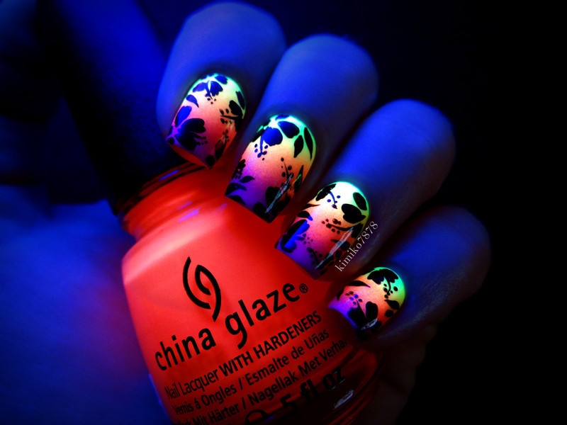 Glow in the dark Hibiscus nail art by Kim