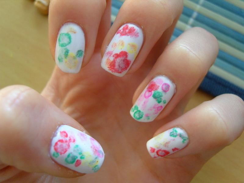 Plamki :) nail art by Lakierowniczka