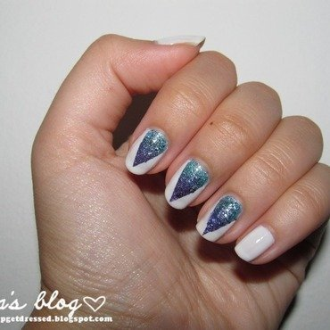 liquid sand ombre nail art by Lora