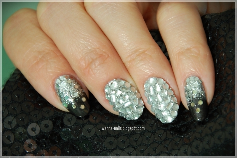 Bling bling nail art by Oana Chiciu