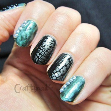 Magnetic Snakeskin nail art by Jacqui D.