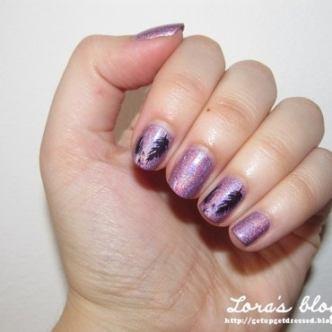 Holo feathers nail art by Lora