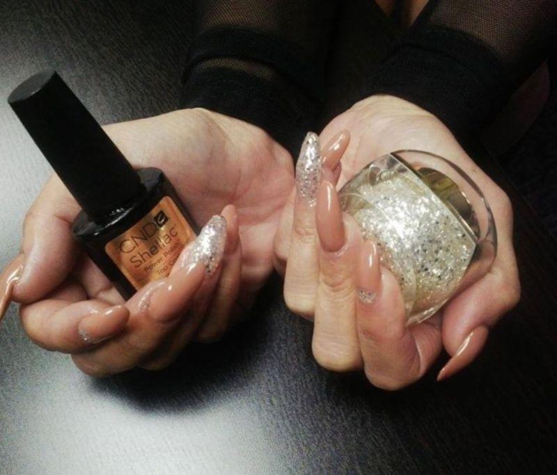 shea nude nail art by Vanessa Nesbitt