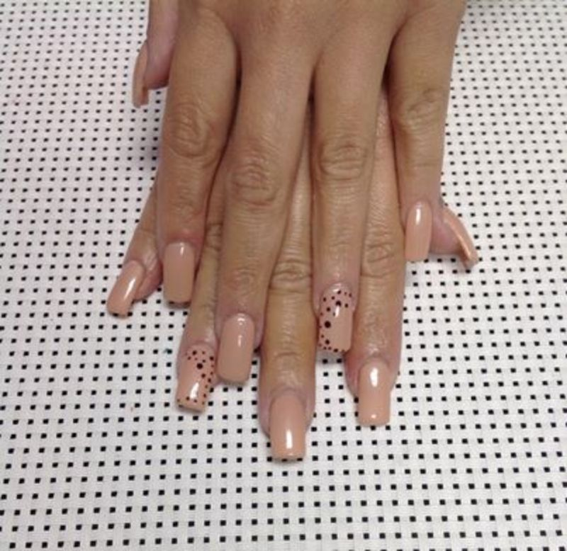 this little piggy went to the spa nail art by Vanessa Nesbitt