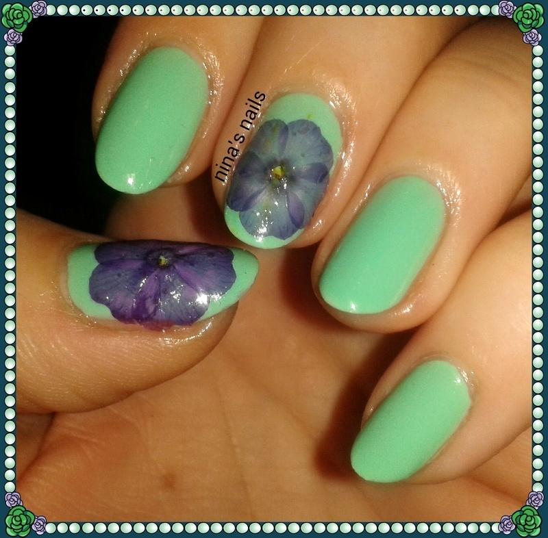 Flowers nail art by Nina\'s nails - Nailpolis: Museum of Nail Art