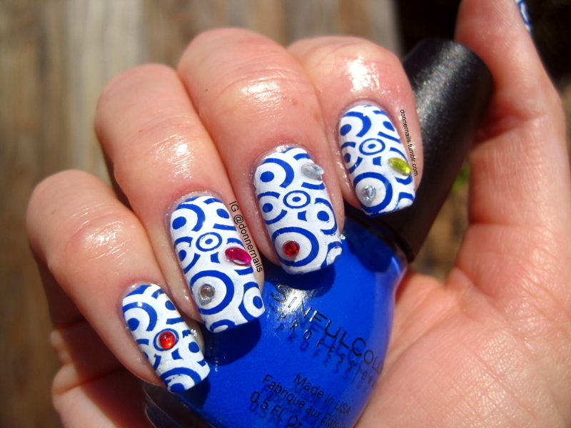 Swirls nail art by Donner